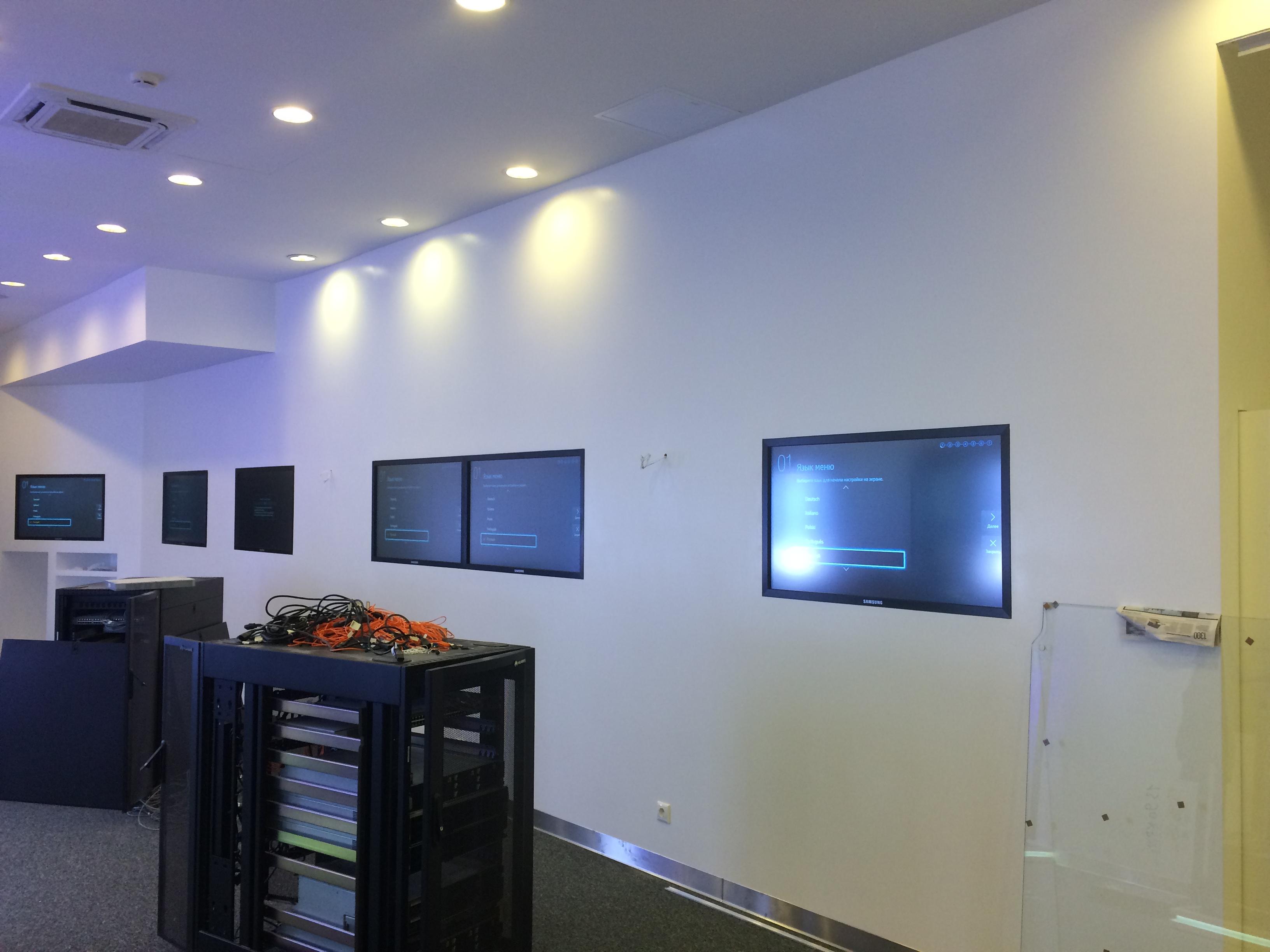 Поставка и установка профессиональных сенсорных дисплеев